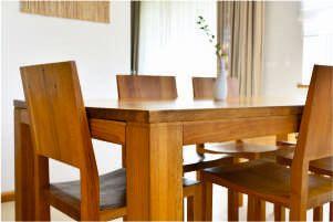 jakie drewno na stół